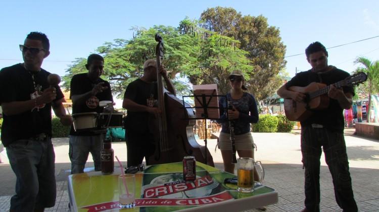 Cubans love their music!