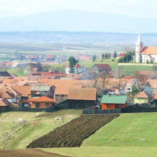 transylvania - farming around village_sq